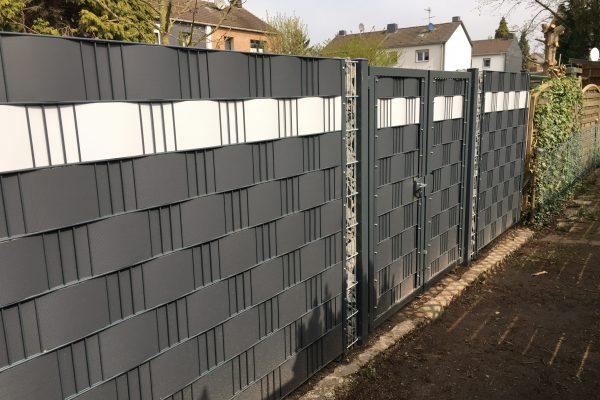 Doppelstabmattenzaun & Tor mit Sichtschutz in Duisburg